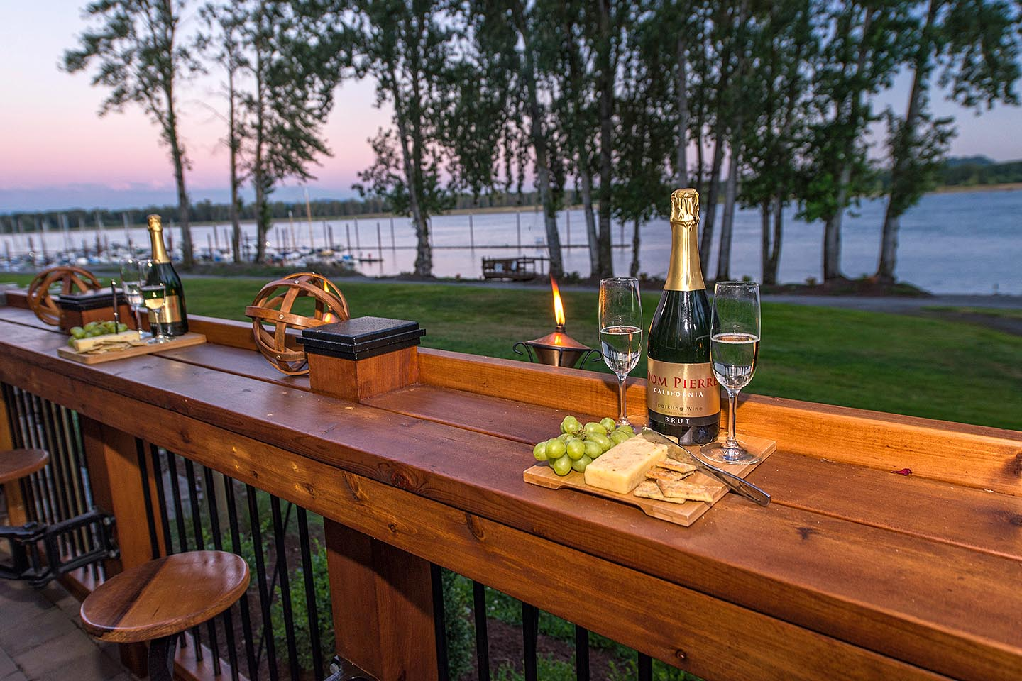 Galley bar seating with a view - Appetizer heaven!