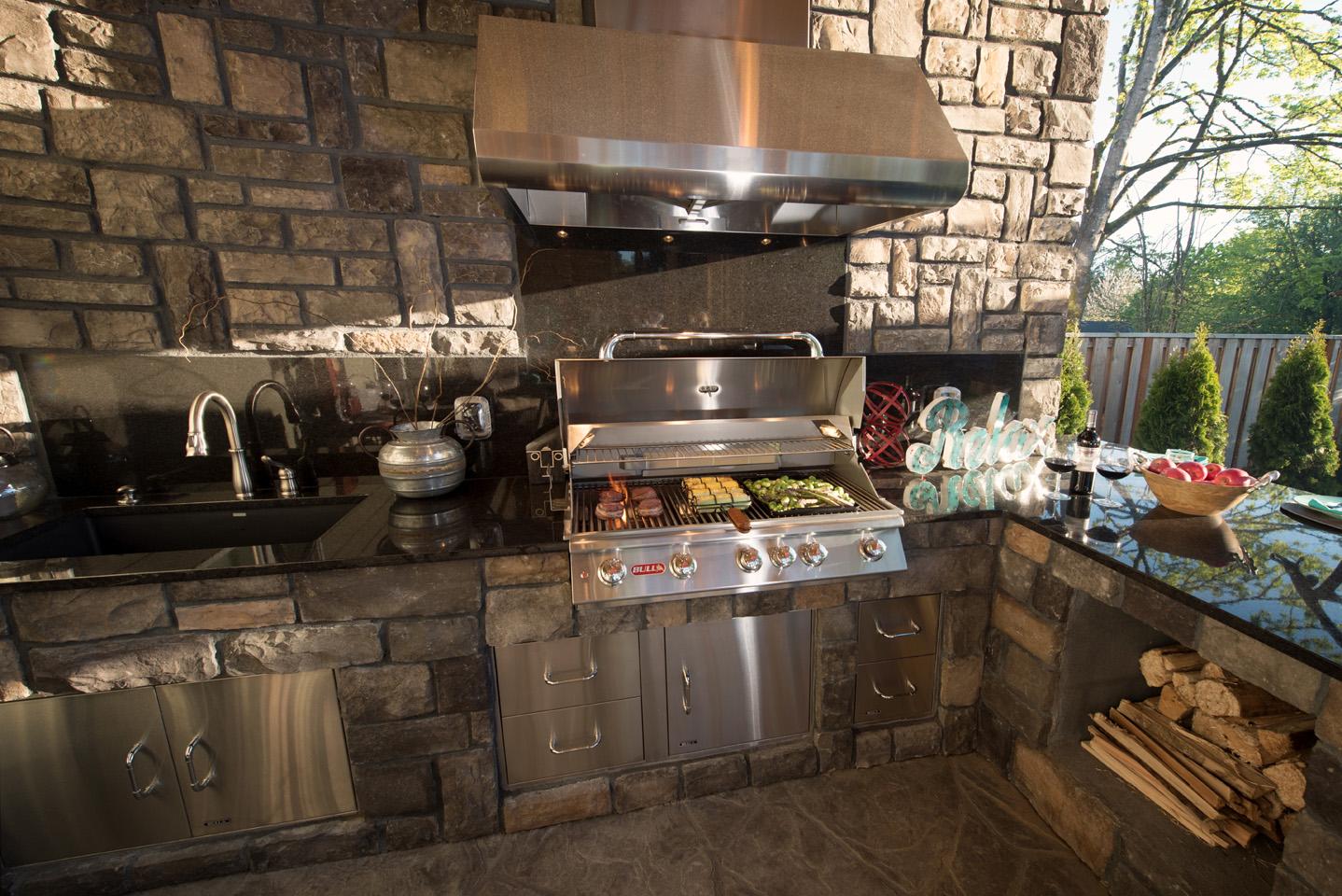 Outdoor kitchen in Landscape Design