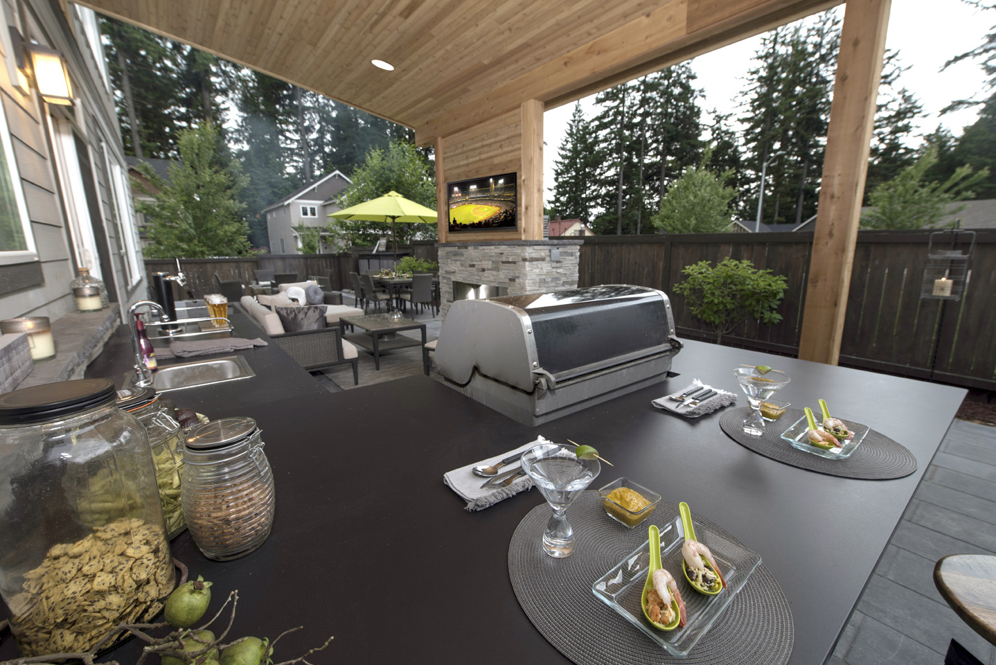 Built-in Bar near Grill – View of TV is sweet for Game Nights