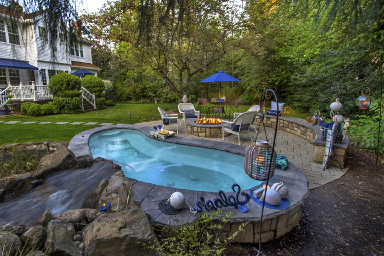 Spa Island hardscape patio